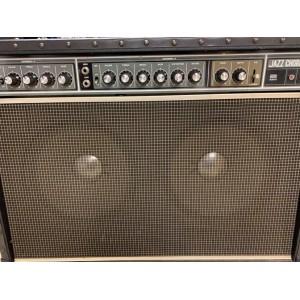 """Usagé - ROLAND JC-120 ampli vintage pour guitare électrique 2x12"""" 120W"""