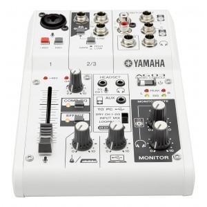 Yamaha AG03 console de mixage 3 canaux polyvalente avec interface audio USB